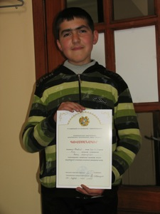 Araz Pirumian with Certificate.jpg